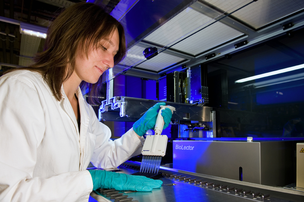 Female researcher in the lab